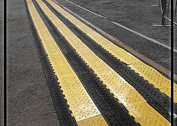 Canaleta de proteção para cabos