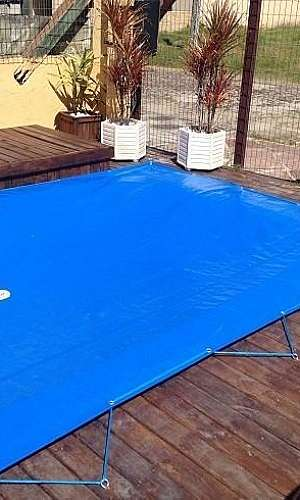 Capa protetora para piscina de fibra